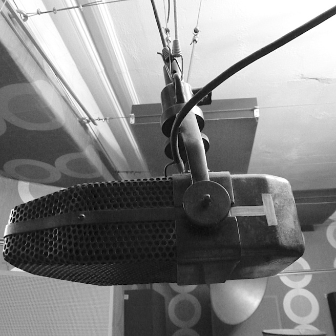 eve-bbc-marconi-type-axbt-microphone