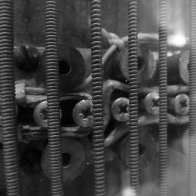 eve-bbc-radiophonic-zither-close-up